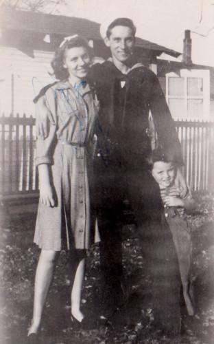 Mom-Charlie-Jim-1946